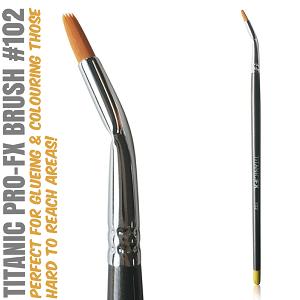 Titanic Pro-FX Bent Liner Brush 102